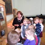Экскурсия по музейной экспозиции школы