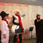 Ведущие-«Снеговичка»-Бурцева Т.А., «Мишка»-Еремеева Н.Г., «Снеговичок»-Дима Мищенков